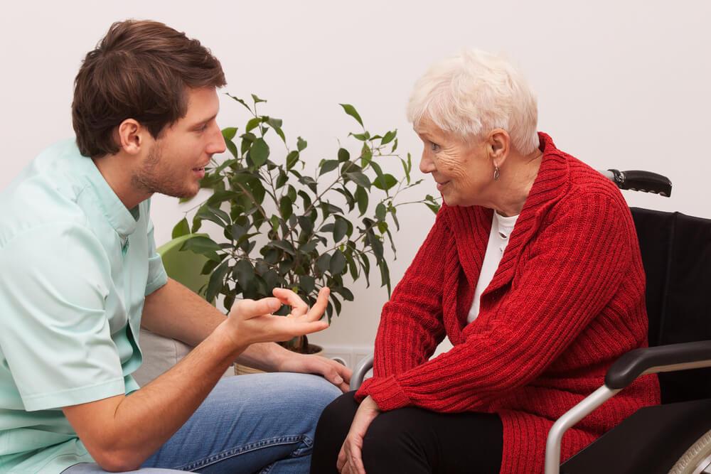 מטפלות לקשישים – כיצד עליהן להיות?